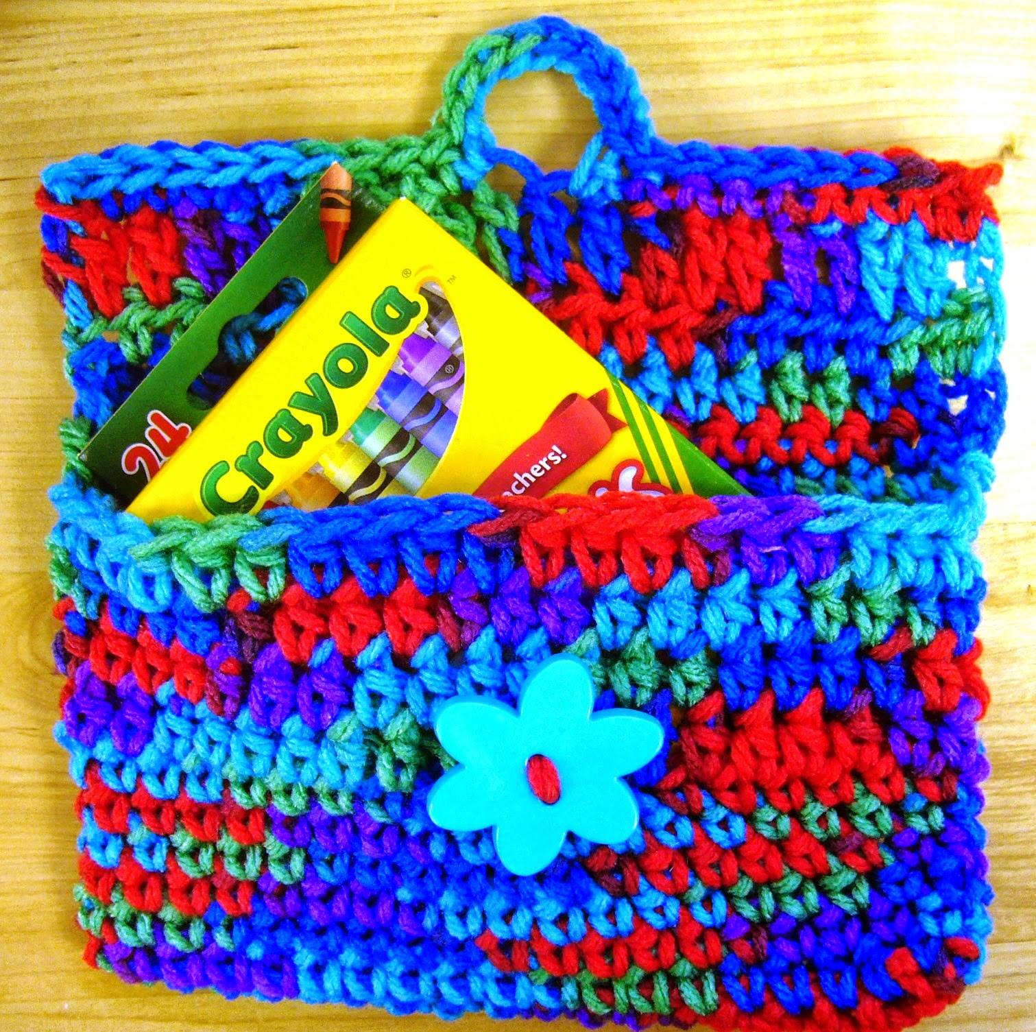 http://www.simplyshoeboxes.com/2015/03/mini-purse-or-wallet-crochet.html