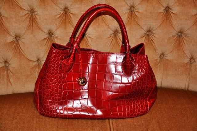 красная сумка furla