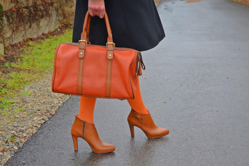 Magic Beret_Katharine-fashion is beautiful_Oranžová baretka_Oranžové pančuchy_Katarína Jakubčová_Fashion blogger