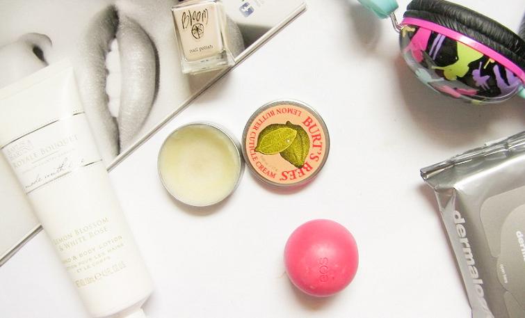 desk beauty makeup blog
