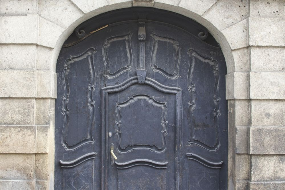 black door in arch