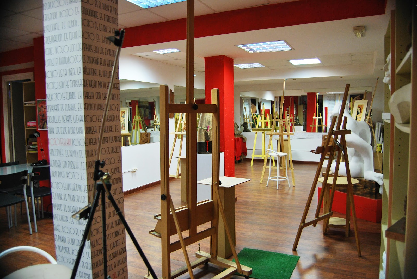 Apartamento (Félix) Estudio+arte+rojo