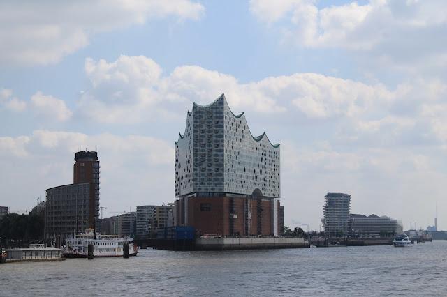 Hamburg Skyline Elbphilharmonie