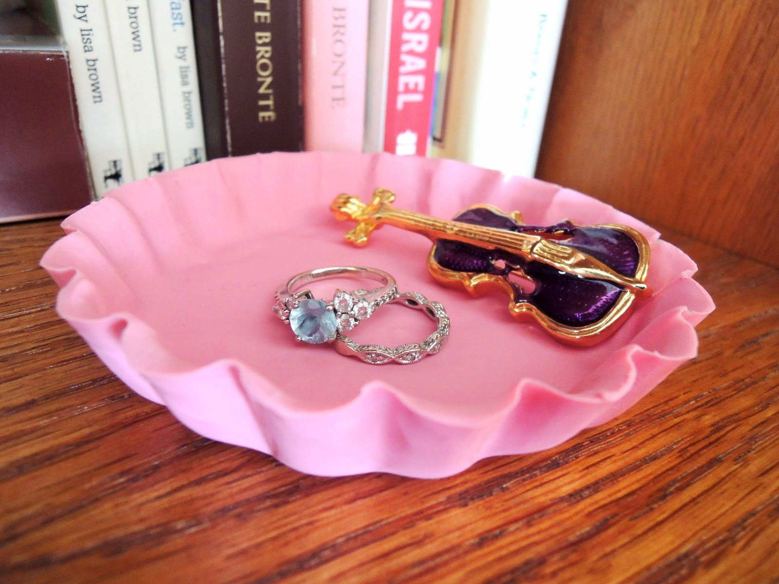 Scalloped clay jewelry dish
