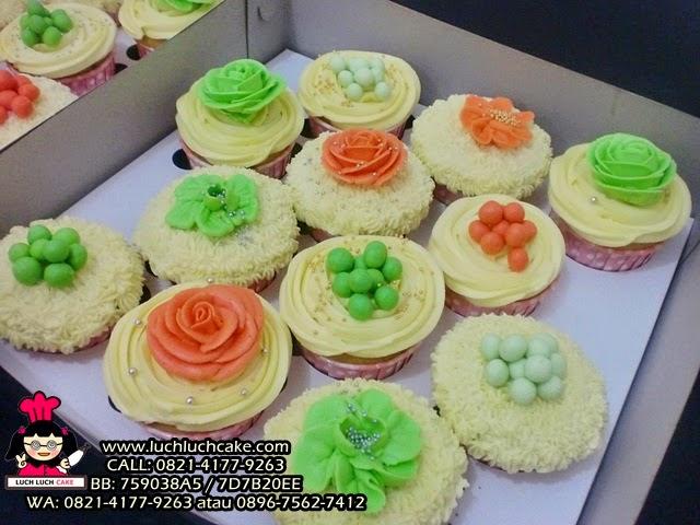 Cupcake Buttercream Untuk Hantaran Lamaran Daerah Surabaya - Sidoarjo