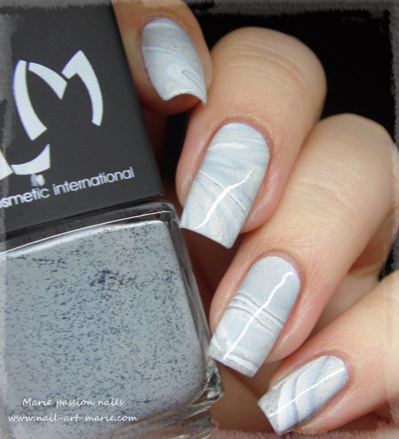 Nail Art effet Marbe au Water Marble5
