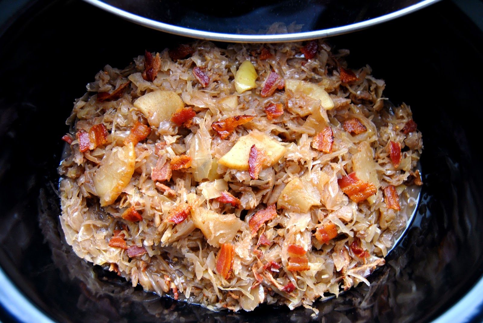 Weston brands blog slow cooker apples sauerkraut with bacon beer - Appel krat ...