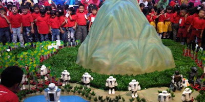 1000 Anak SLB Merakit Robot Di Jakarta