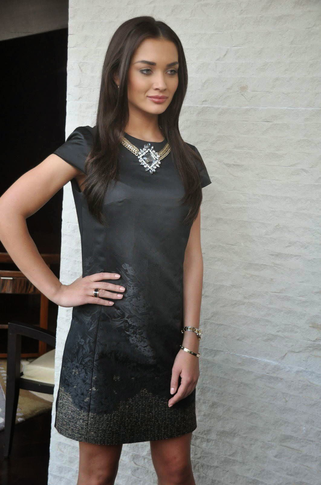 Amy Jackson Picture Gallery in Black Short Dress at I Movie Press Meet ~  ~ Bollywood and South Indian Cinema Actress Exclusive Picture Galleries