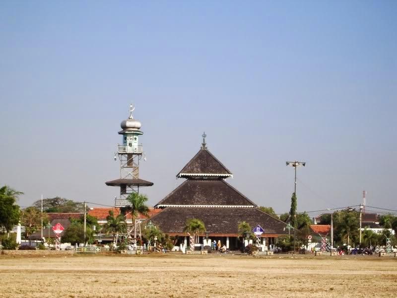 Visit Masjid Demak Mosque Semarang, Oldest Mosque In Indonesia