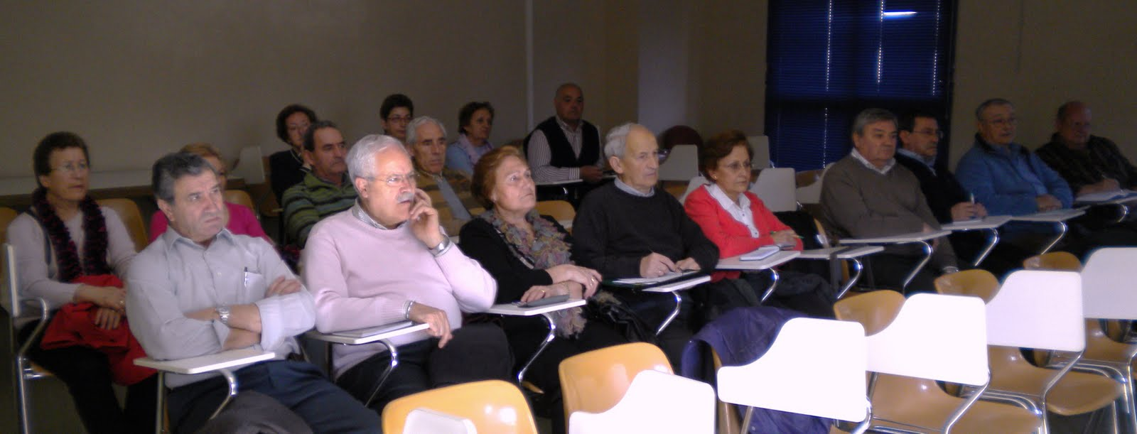 valladolid reunión de personas mayores