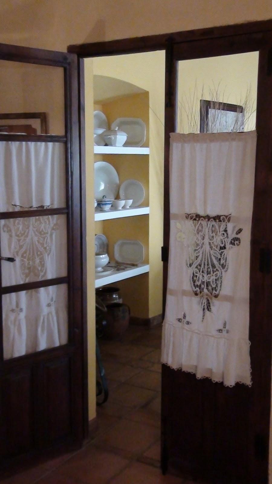 A bit of everything decoraci n casa con encanto glicinia for Visillos salon fotos