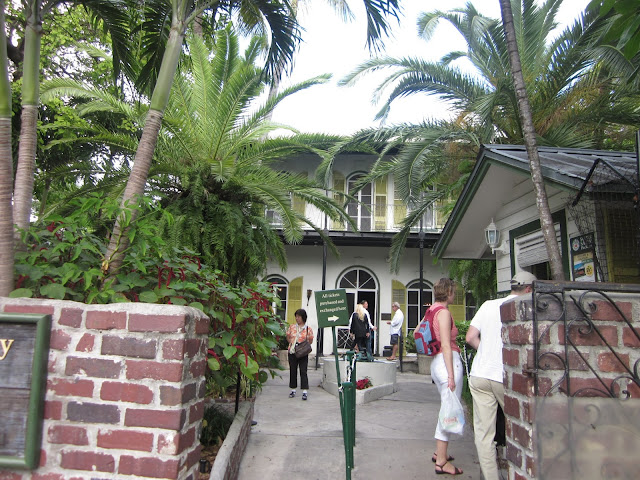 Hemingway House, Key West, FL / Souvenir Chronicles