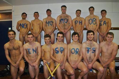 Jugadores de hockey femenino desnudo