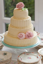 Vintage style wedding cakes