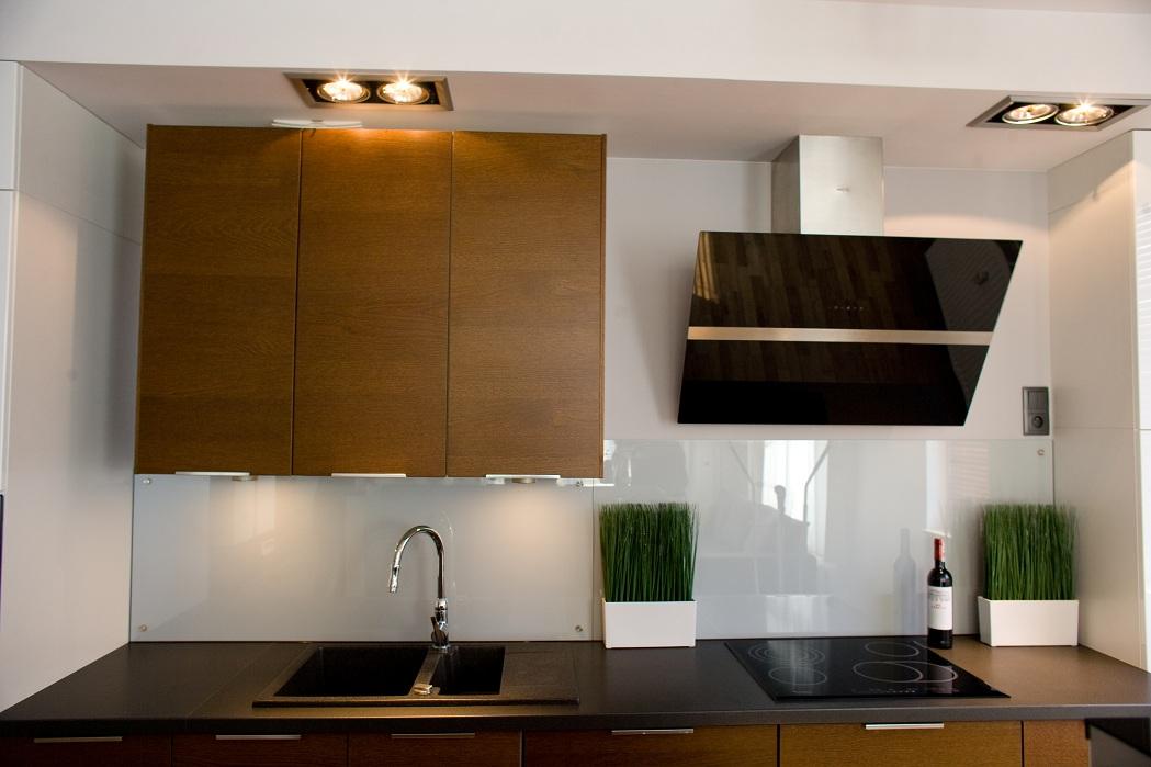 Ikea White Glossey Kitchen