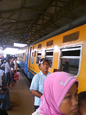 Station, Cepu train, Cepu travel, Sembrani, Rajawali, Blora Jaya, Feeder, Kerta Jaya, Gumarang