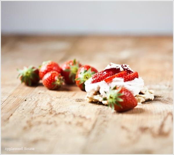 Erdbeer Törtchen Schokocrossie Mascarpone