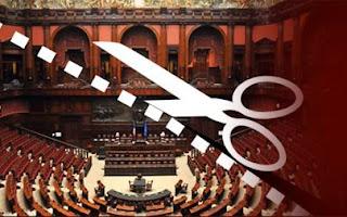 Quanto si risparmierebbe tagliando numero e stipendi dei Parlamentari?