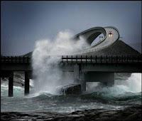 Jembatan Storseisundet