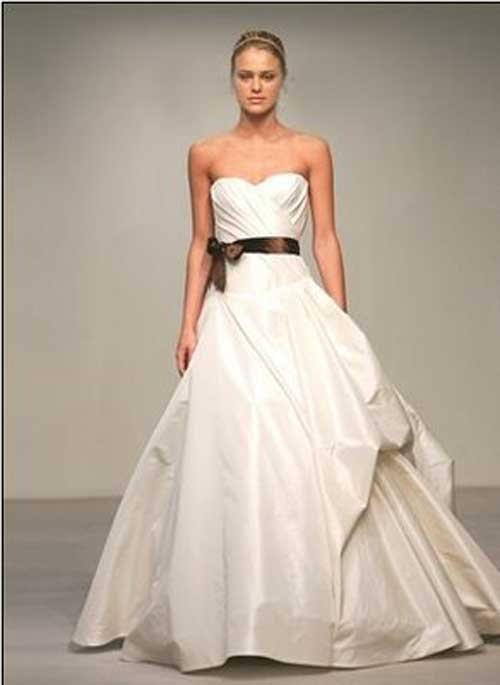 Wedding gallery white wedding dresses 2011 by vera wang for Price of vera wang wedding dress