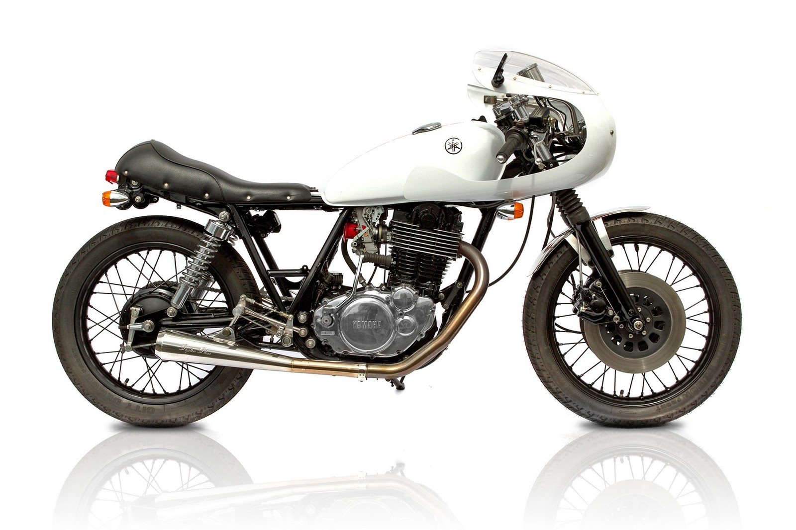 custom yamaha sr500 rb racing return of the cafe racers. Black Bedroom Furniture Sets. Home Design Ideas