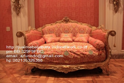 sofa antik jepara furniture mebel ukir antik jepara jual sofa tamu set ukir sofa tamu klasik set sofa tamu jati jepara sofa tamu antik mebel jati antik jepara SFTM-66023,Sofa classic Racoco ukiran jepara
