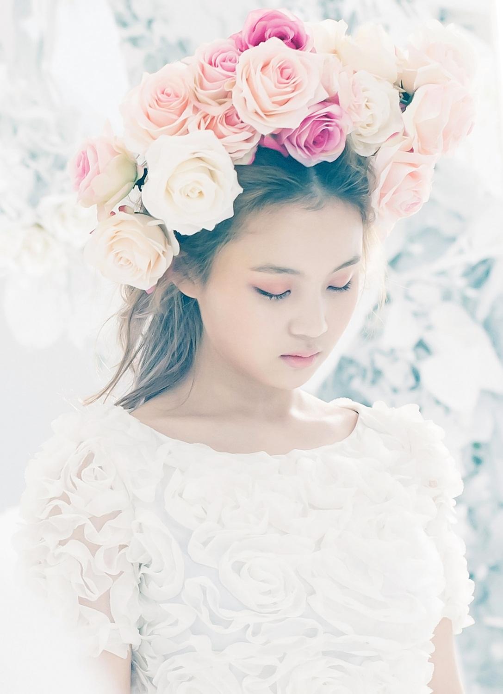 http://2.bp.blogspot.com/-jRVGm8vTJFE/UVkkRf52ukI/AAAAAAAAh4I/f0RinTS3FZg/s1600/Lee+Hi+First+Love+Pictures+5.jpg