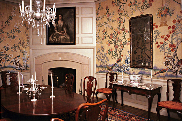 1780 Chinese Painted Wallpaper In A Room In Colonial Williamsburg