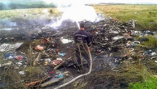 Malaysia Airline MH 17 Jatuh di Ukraina, 295 Orang Meninggal Dunia