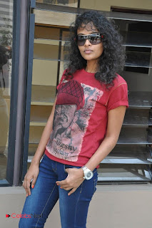 Sonia Deepti Pictures in Skinny Jeans at Mr. Manmadha Movie Press Meet 0013