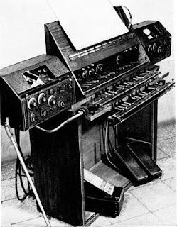 Versión evolucionada por Oskar Sala del Volkstrautonium de 1933 fabricado por Telefunken