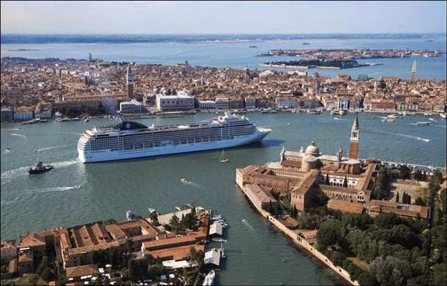 Giant Cruise Ship in Venice