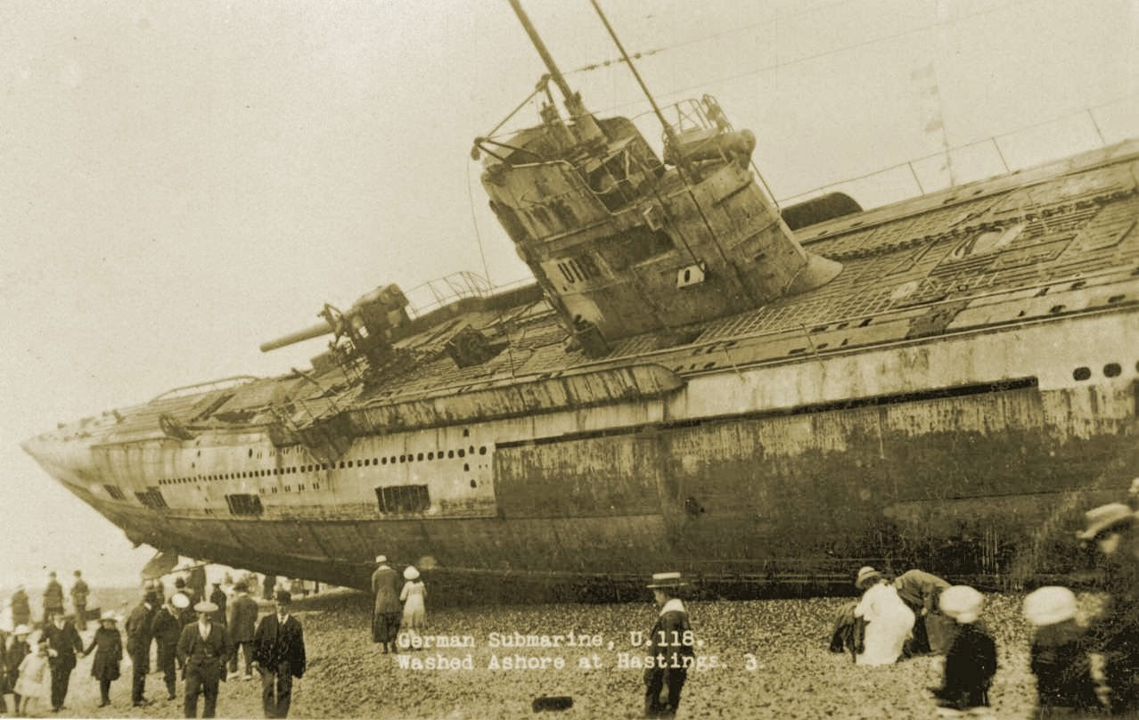 Ultimate Collection Of Rare Historical Photos. A Big Piece Of History (200 Pictures) - A WW1 submarine