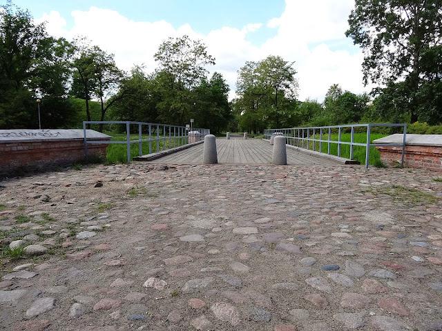 Zabytkowy most forteczny przez fosę w Forcie Bema