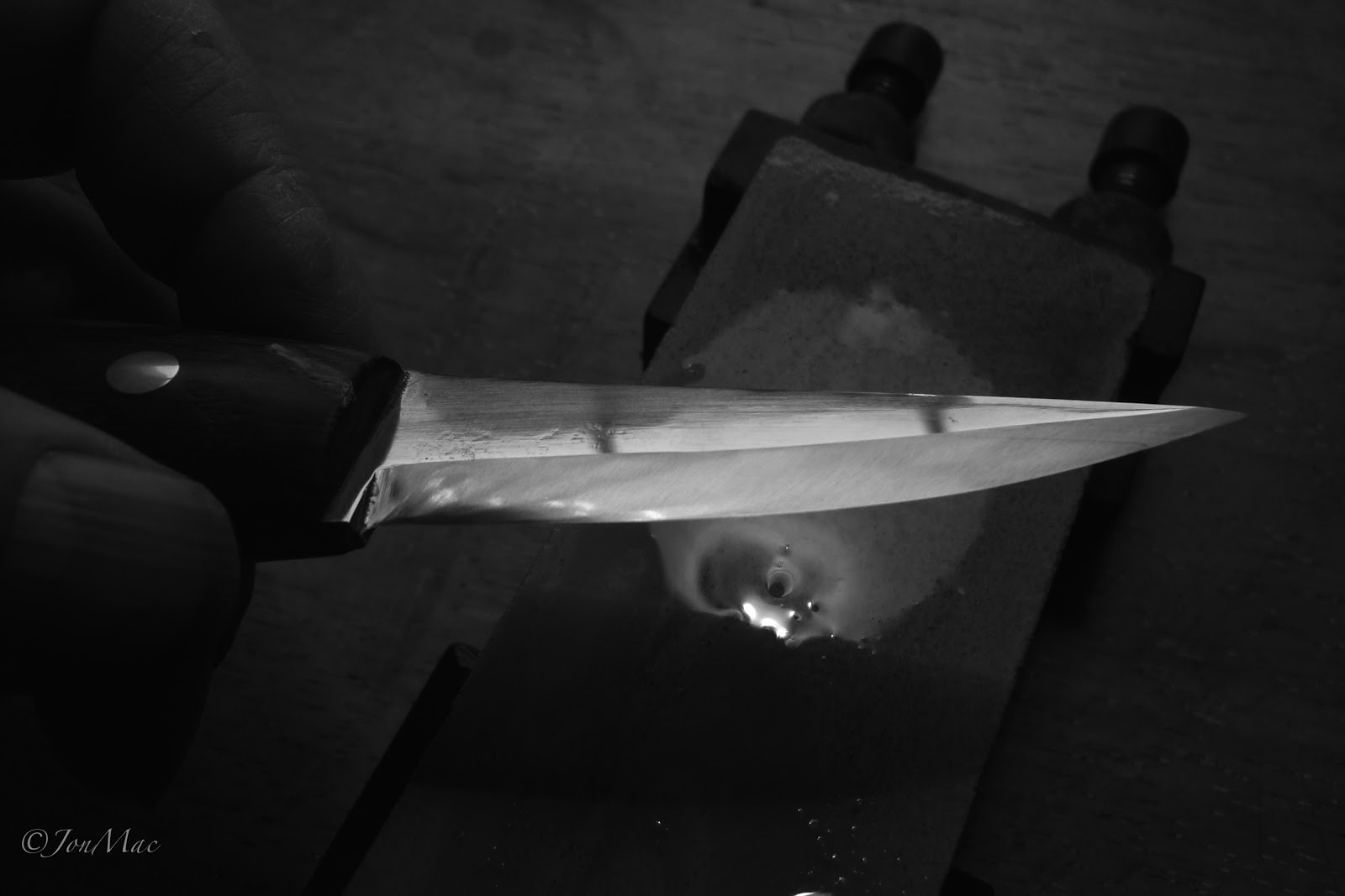 sharpening process+spoon carving knife