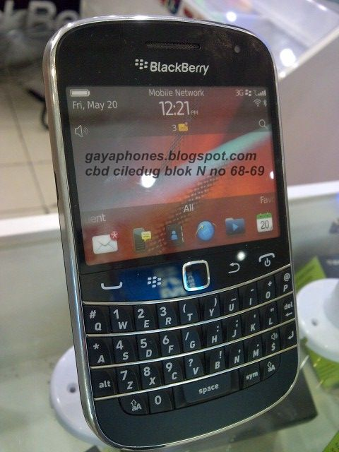 Blackberry Bold 9900 Dakota Black
