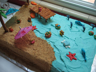 http://2.bp.blogspot.com/-jTIoMjc4kzY/TgGynq9IJHI/AAAAAAAAA-s/AjJjAY1hlGA/s320/beach-cake-close-up.jpg