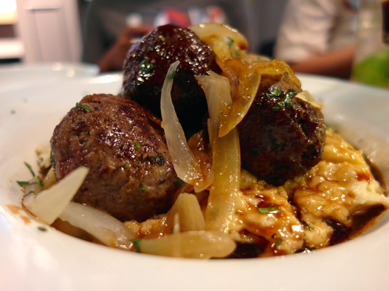 Club Meatballs Restaurant Review Wagyu Beef and Rosemary Balls with Onion & Red Wine sauce & Mashed Potato Lunarrive Blog