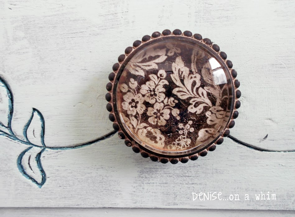 Pretty Floral Knobs via http://deniseaonwhim.blogspot.com