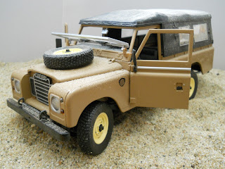 diorama con Land Rover 109 serie III