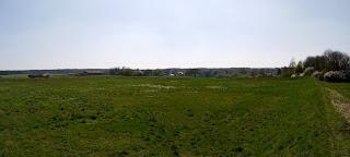 Panoramabild aus zwei Fotos aus der Nordostecke der Keltenschanze Buchendorf