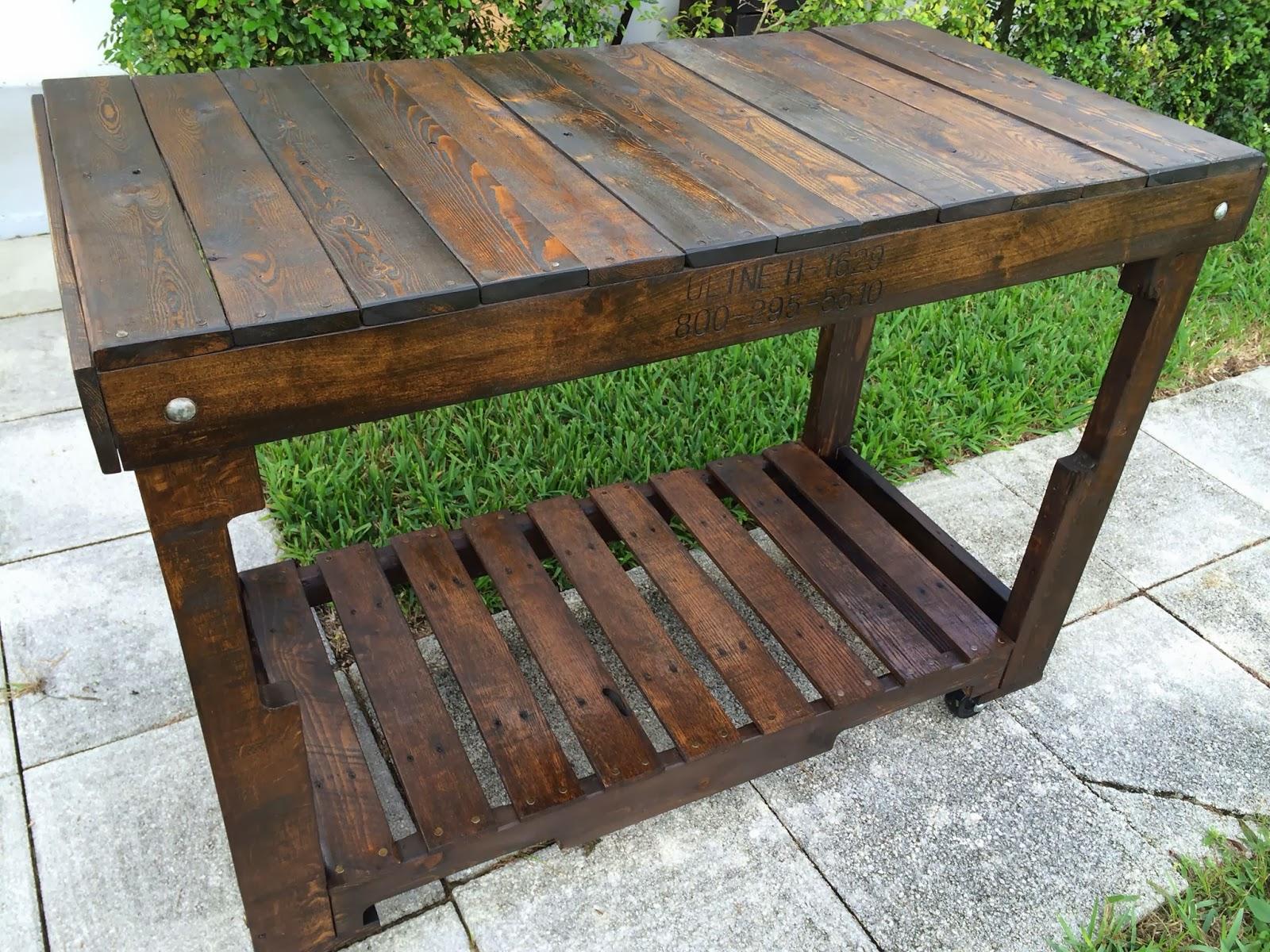 incluso puedes hacer mesas que pueden estar tanto en exteriores como interiores