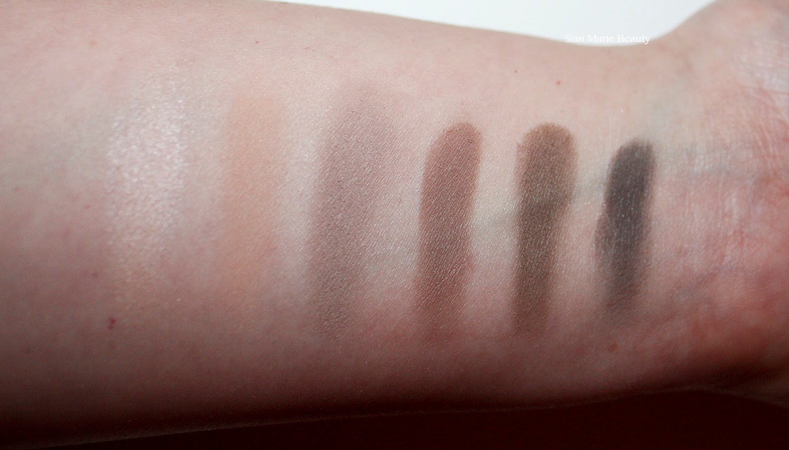 Urban Decay Naked Basics 2 Eyeshadow Palette Review
