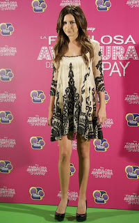 2011Ashley-Tisdale-on-madrid-03.jpg