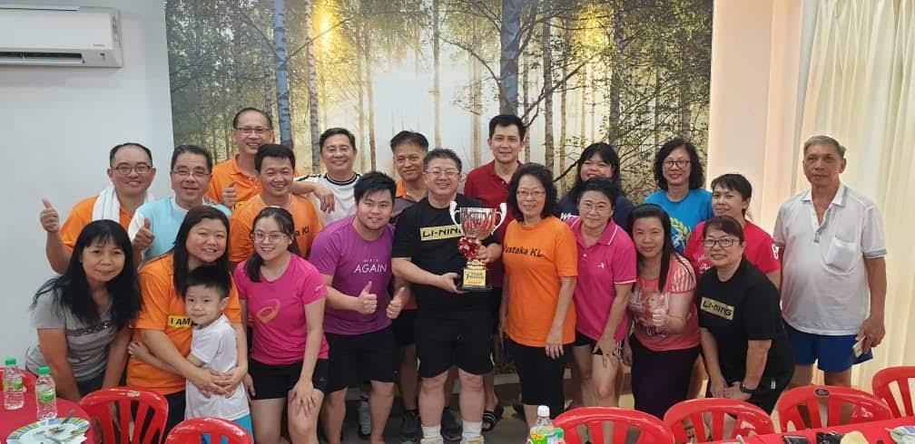 吉隆坡华小与崇文联谊羽球友谊赛