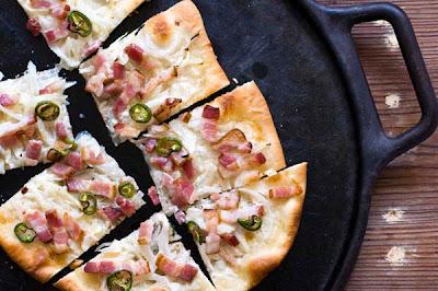 tarte flambee bacon jalapeno flammkuchen