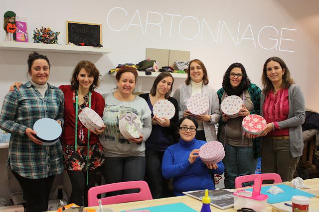 Taller monográfico Cartonnage: CAJA REDONDA forrada en tela diciembre 2012