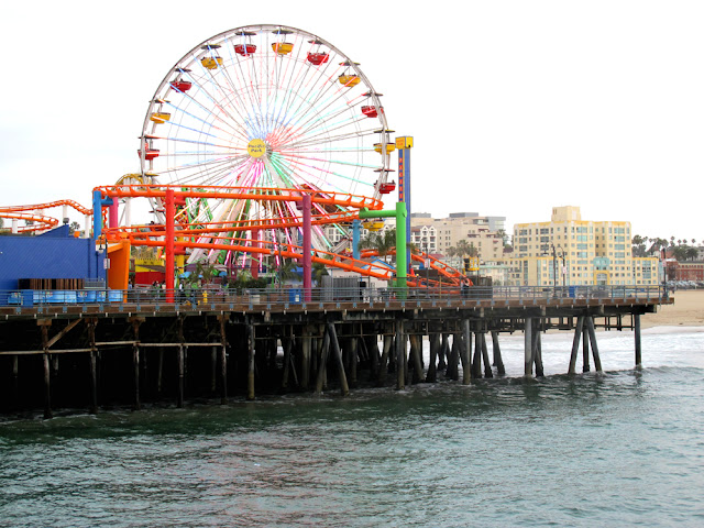 Santa Monica Pier, LA - Los Angeles, California - travel blogger