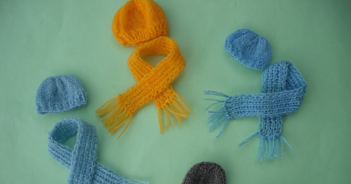 Knitting Patterns For Dollhouse Dolls : bitstobuy: FREE GIFT dolls house 1:12 scale miniature knitted hat and scarf i...